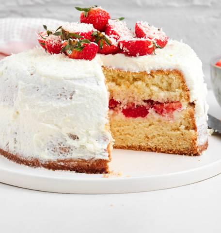 Aardbeien-biscuittaart met mascarpone en witte chocolade