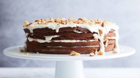 Chocoladecake met notenglazuur