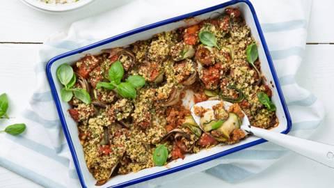 Courgette- en aubergine cannelloni met vegan tomaten-gehaktsaus