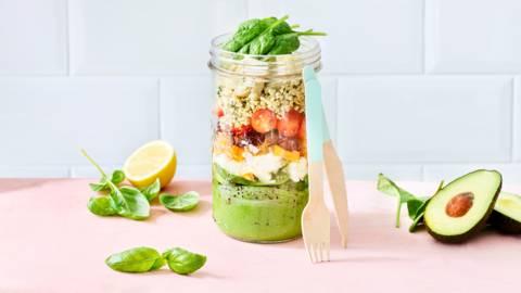 Salade in een glazen bokaal