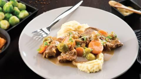Everzwijnragout met Leffe en aardappelkroketjes