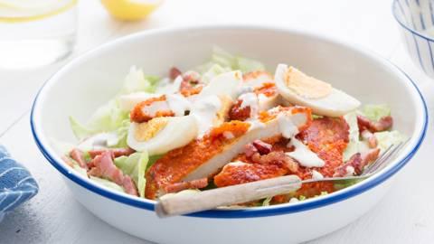 Caesar salade met schnitzel