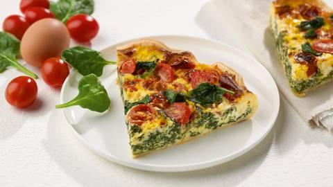 Quiche met ricotta, spinazie en tomaat