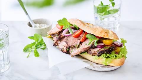 Broodje Griekse lamsboutsnede
