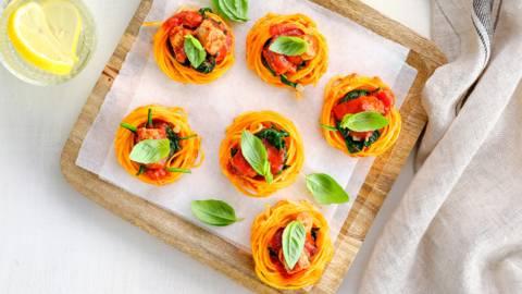 Spaghettinestjes met chipolata