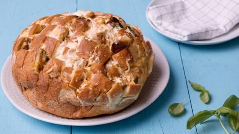 Pull apart bread met kaas en spek