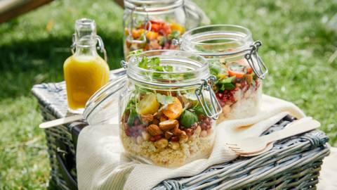 Couscous-kikkererwtensalade met granaatappelpitjes