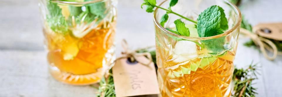 Appel-kaneel whiskey smash