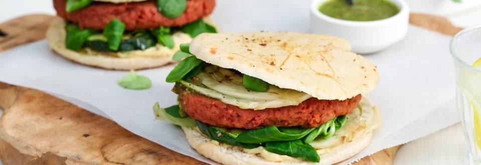 Vegan pita met gegrilde groenten
