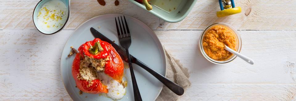 Gevulde paprika met taboulé, gehakt en citroen-yoghurtsaus