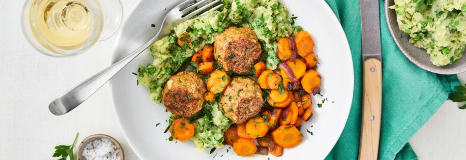 Broccolipuree met wortel en kippengehaktballetjes