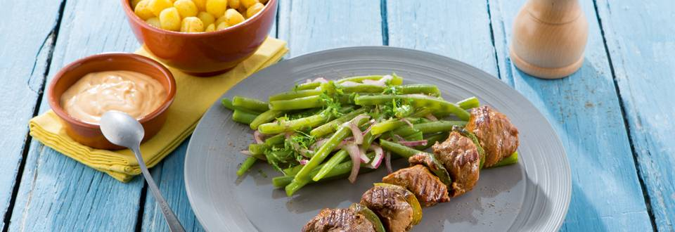 Rundsbrochette met boontjessalade en Choronsaus