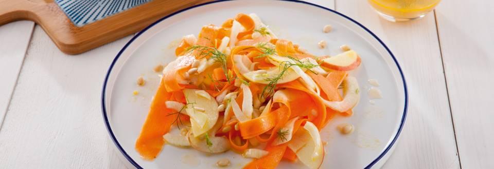 Frisse salade van wortel en venkel
