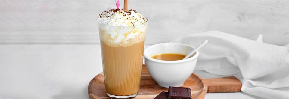 IJskoffie met karamel