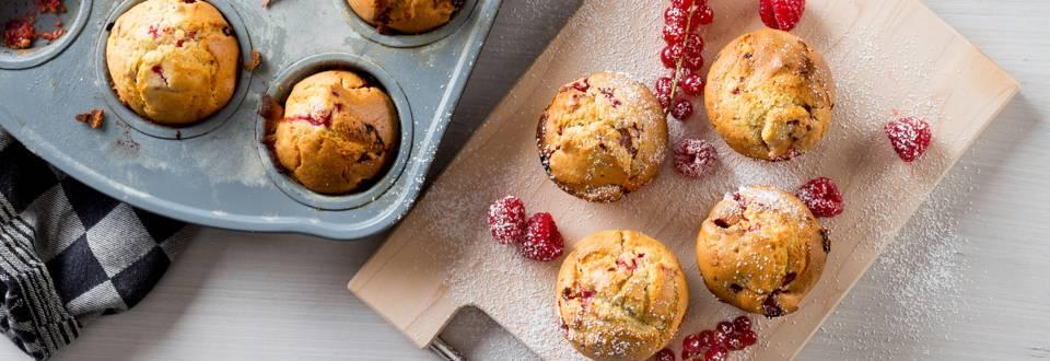 Cupcakes met rood fruit