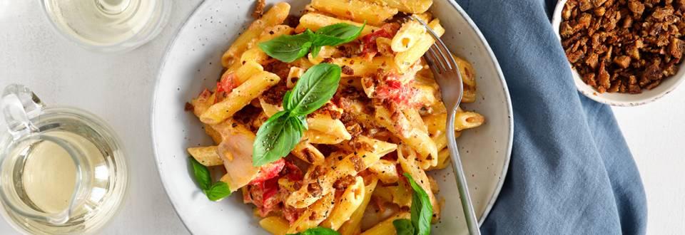 Pasta met gegrilde feta en tomaten