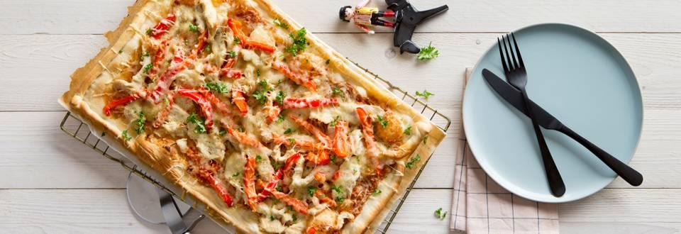Pizza met kip en paprika