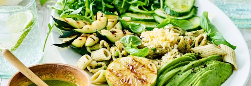 Pastasalade met avocado, gegrilde courgette en eitjes_main