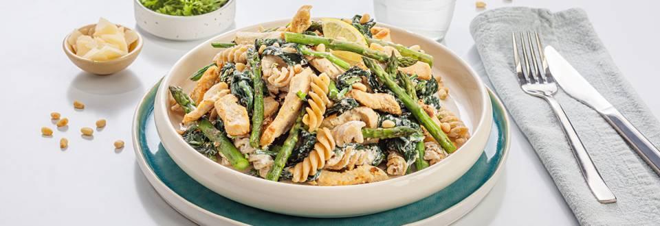 Pasta met ricotta, kip, spinazie & groene asperge